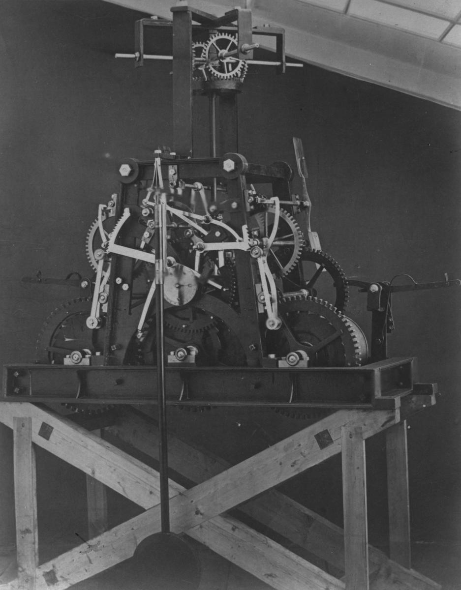 Sehlbergs Urhandel, foto av gammal klocka