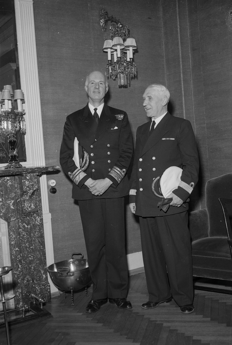 Vise admiral Edward Malcolm Evans-Lomb og kommandør Sven Brun