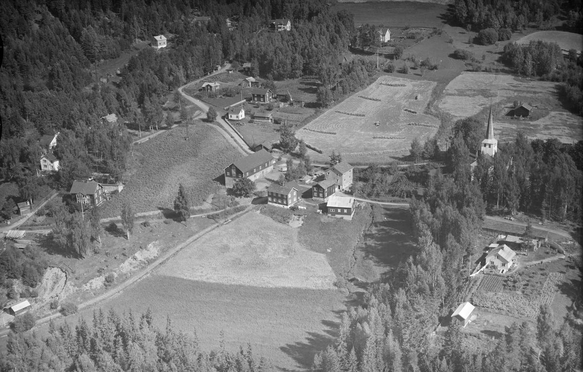 Ukjent gård, Øyer, 1953, bolighus, småbruk, kirke, jordbruk, slåttonn, hesjing, blandingsskog