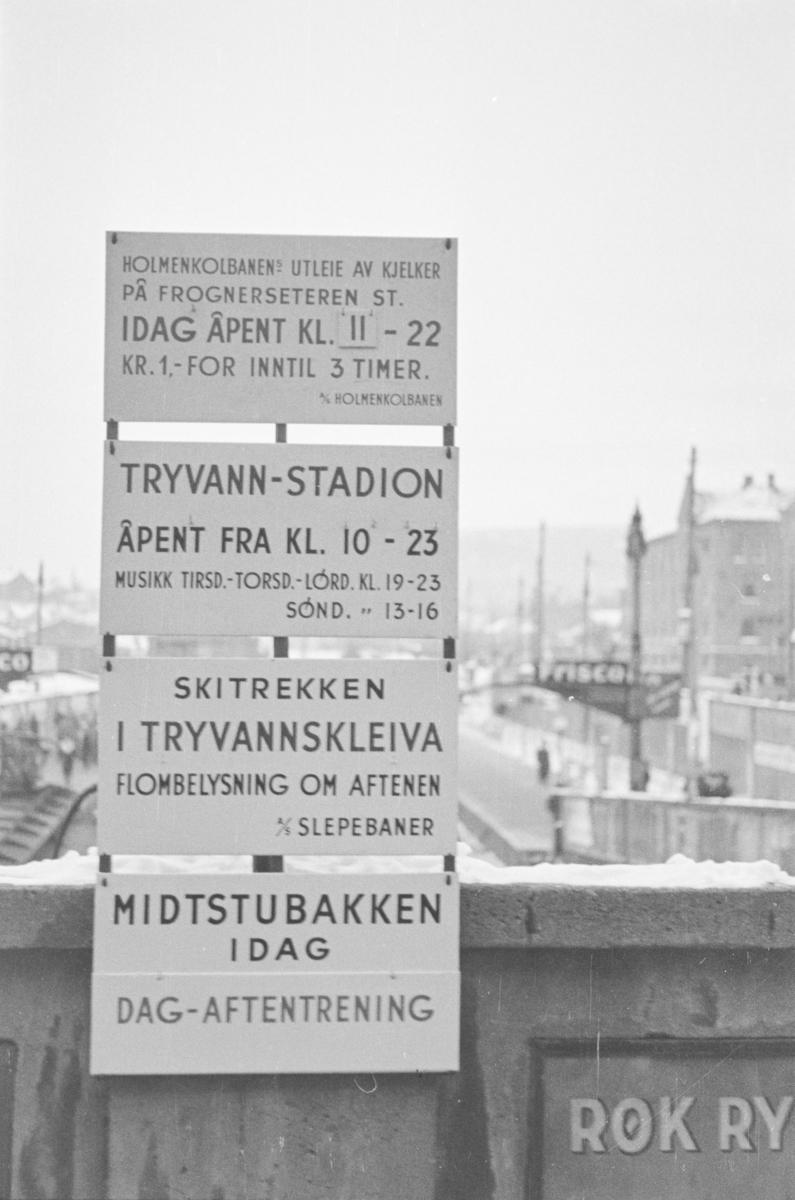 Annonsetavle på Majorstuen stasjon