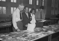 Div. foto for Arb.Avisa på Bibliotekutstillingen