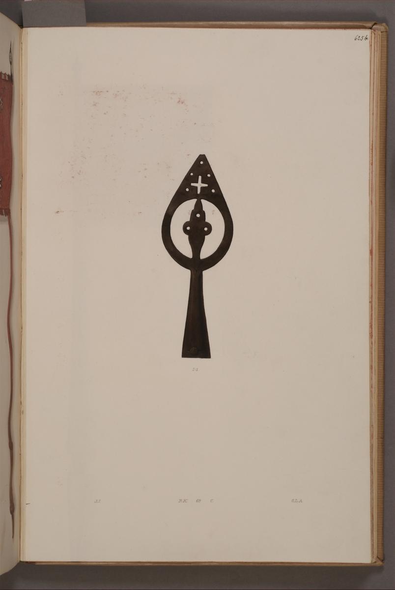 Avbildning i gouache föreställande spets till fälttecken taget som trofé av svenska armén. Den avbildade spetsen och standaret finns bevarade i Armémuseums samling, för mer information, se relaterade objekt.