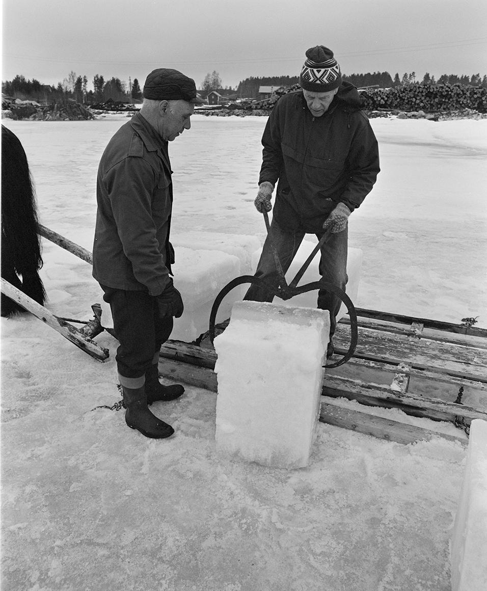 Isskjæring, Rokosjøen, Løten.