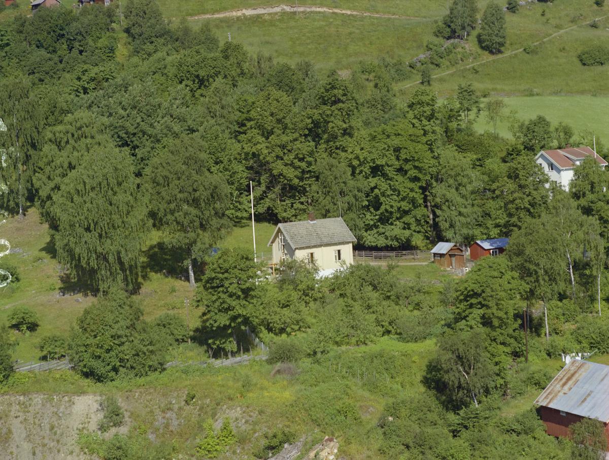 Lillehammer kommune. Dette må være Vingromsvegen, tidligere Birivegen, 223, beliggende i Øyresvika.