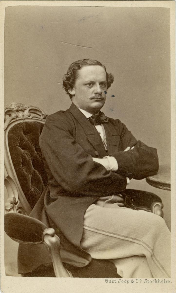 Porträtt av Gustaf Otto Weidenhielm, löjtnant vid Jönköpings regemente I 12. Se även AMA.0009284 och AMA.0009206.