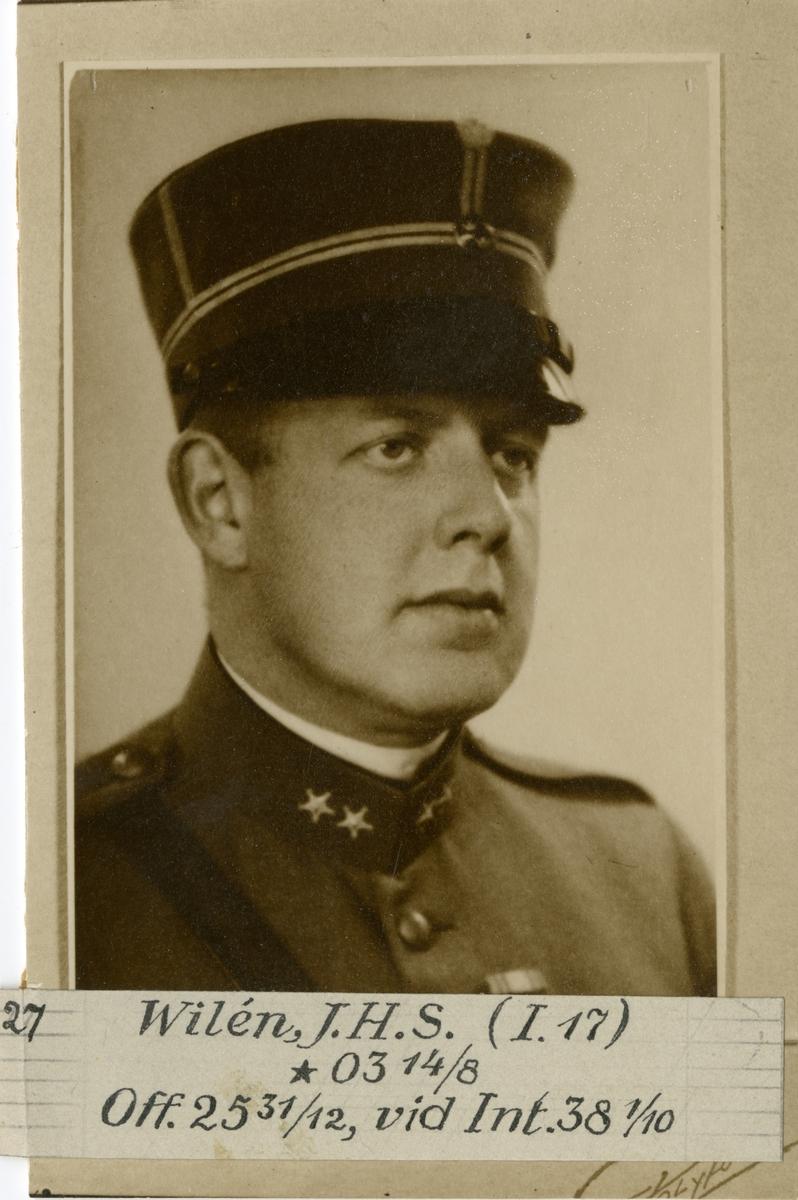 Porträtt av John Hilding Stig Wilén, officer vid Bohusläns regemente I 17 och Intendenturkåren.