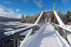 Vinterstemning på Klokkerfossbrua over Glomma i Elverum i fe