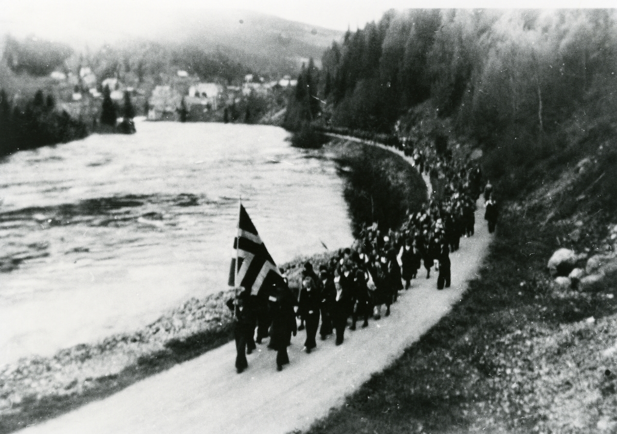 Frå 17.maitoget i 1945.