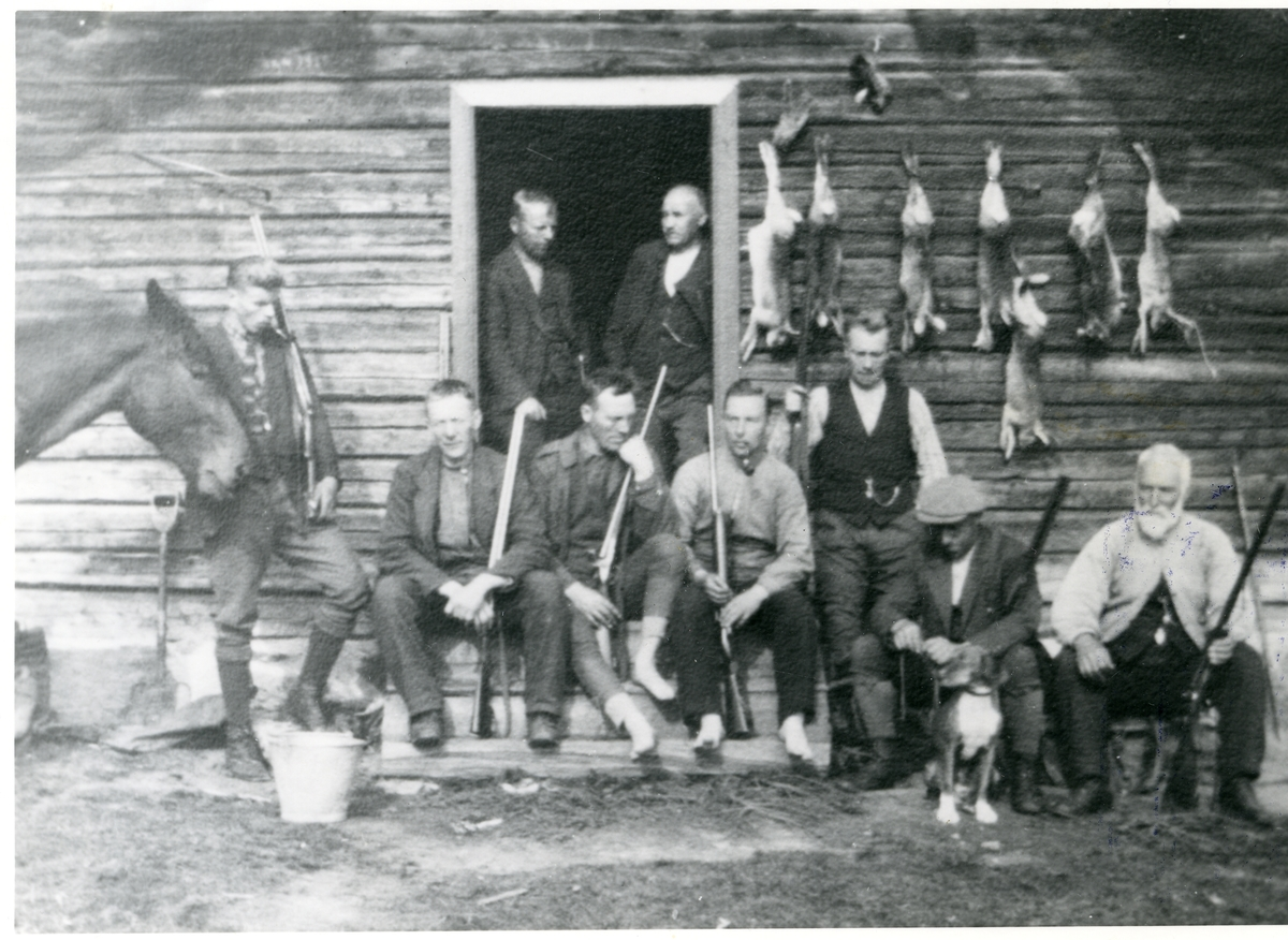 Ola Garthus, Oswald Garthus, Anton Rustebakke, Halstein Garthus, Olav Rustebakke, Arne Rustebakke, Anton Garthus, Ole A. Garthus og Hans Hagen, 1925.