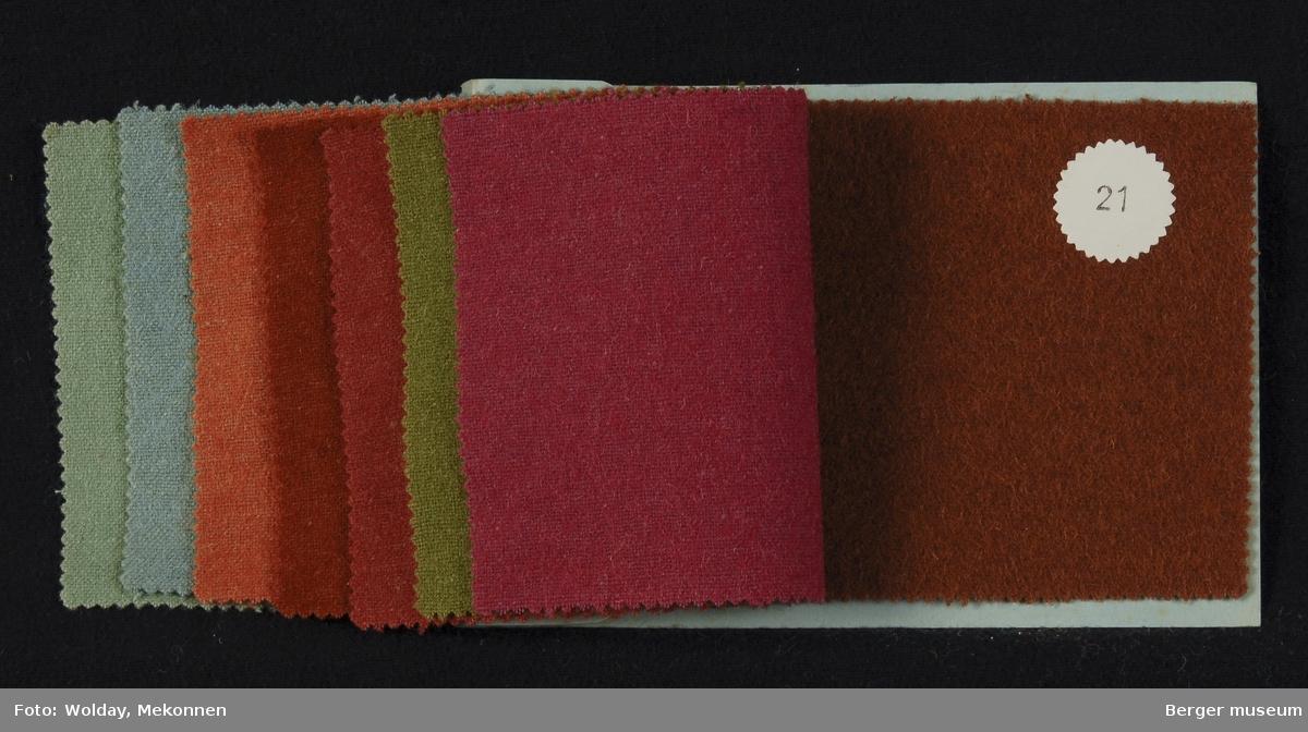 Prøvebok med 8 prøver Drakt/kåpe Kvalitet  454 Stykkfarget