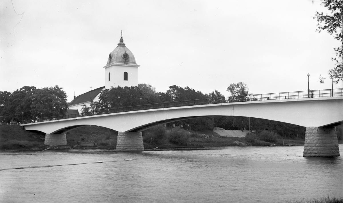 Husby kyrka vid Dalälven