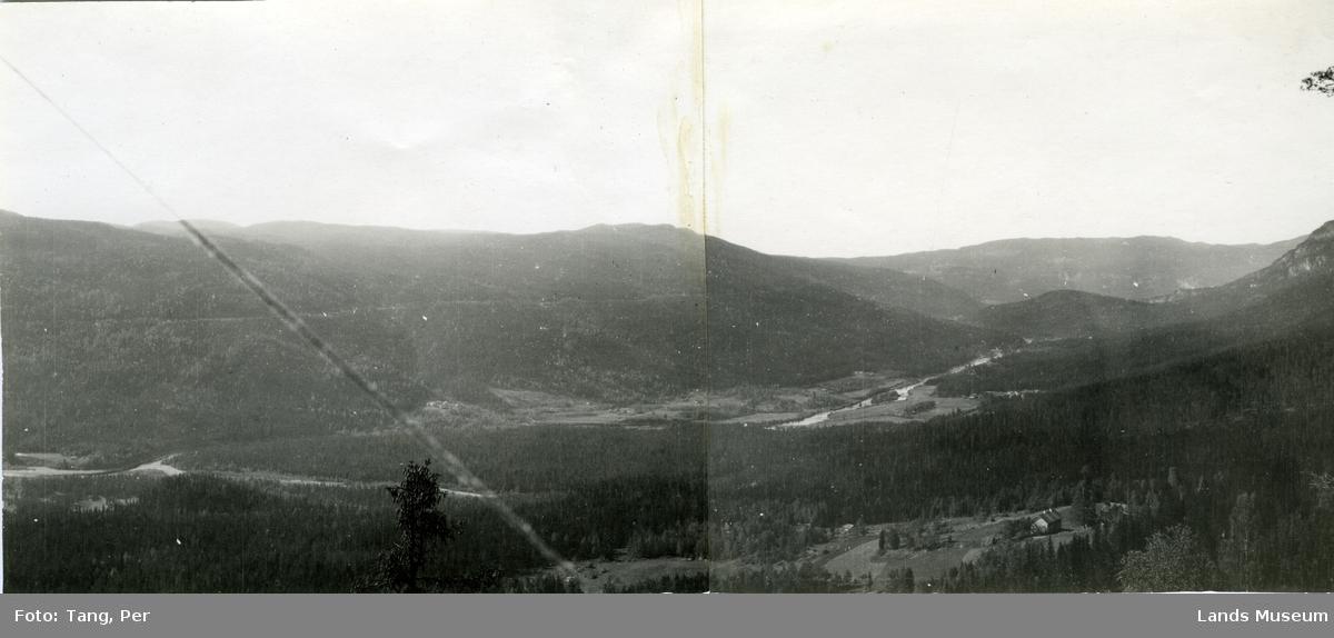 Etnas dal vestover mot Høljarast. Sett fra Thomle