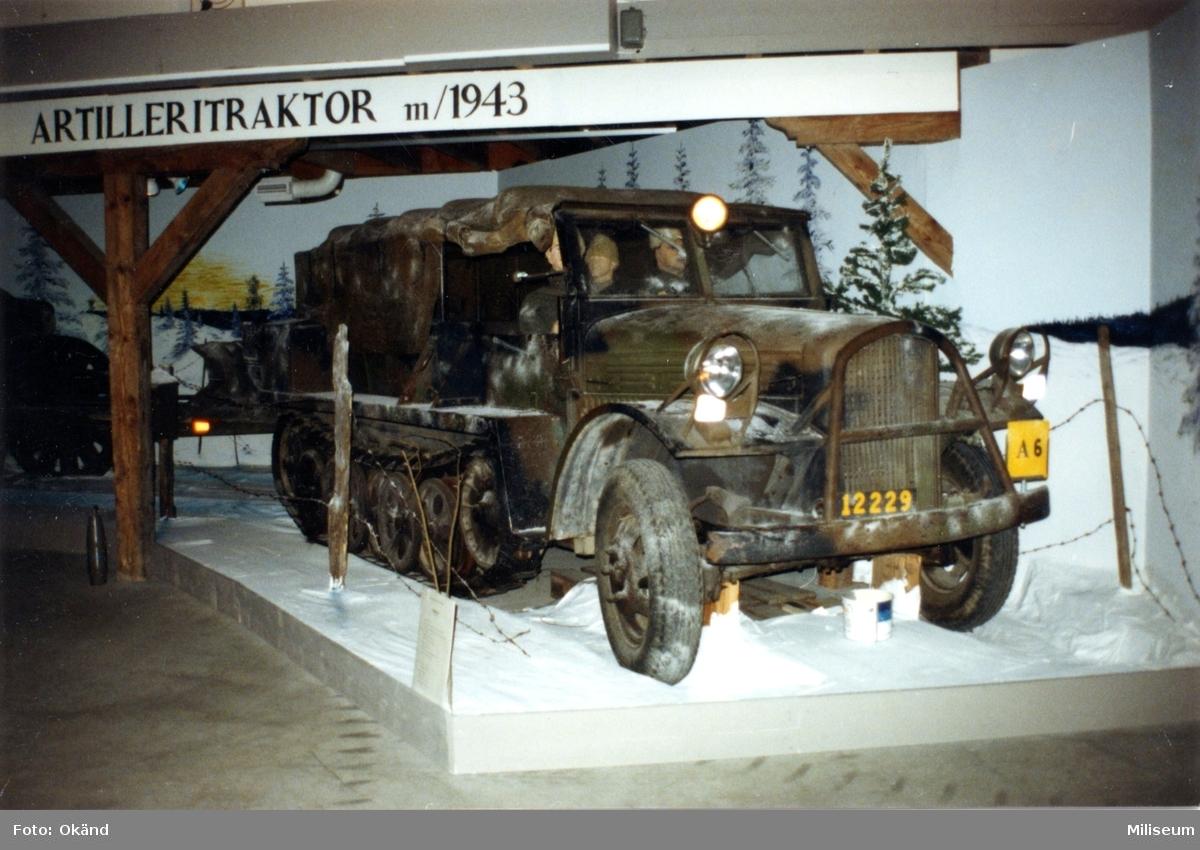 Artilleritraktor m/1943. (Halvbandtraktor, HBT).