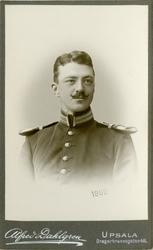 Porträtt av Karl Hampus Teodor Palm, löjtnant vid Upplands r