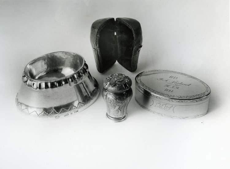 Delar ur Helge Nords silversamling. Silversmed Hans Langberg (HLB) 1762 - 1813.