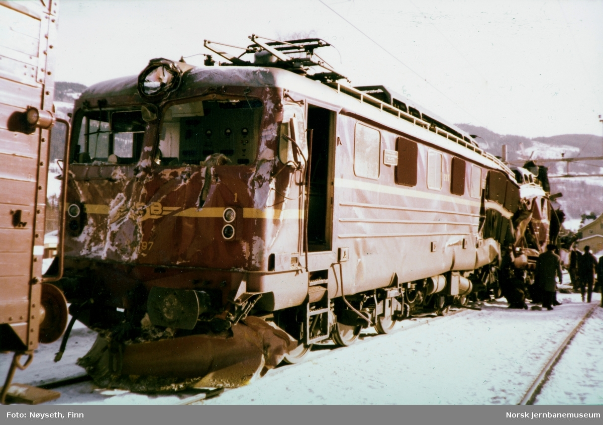 Lokomotivene fra Tretten-ulykken, fotografert på Tretten stasjon