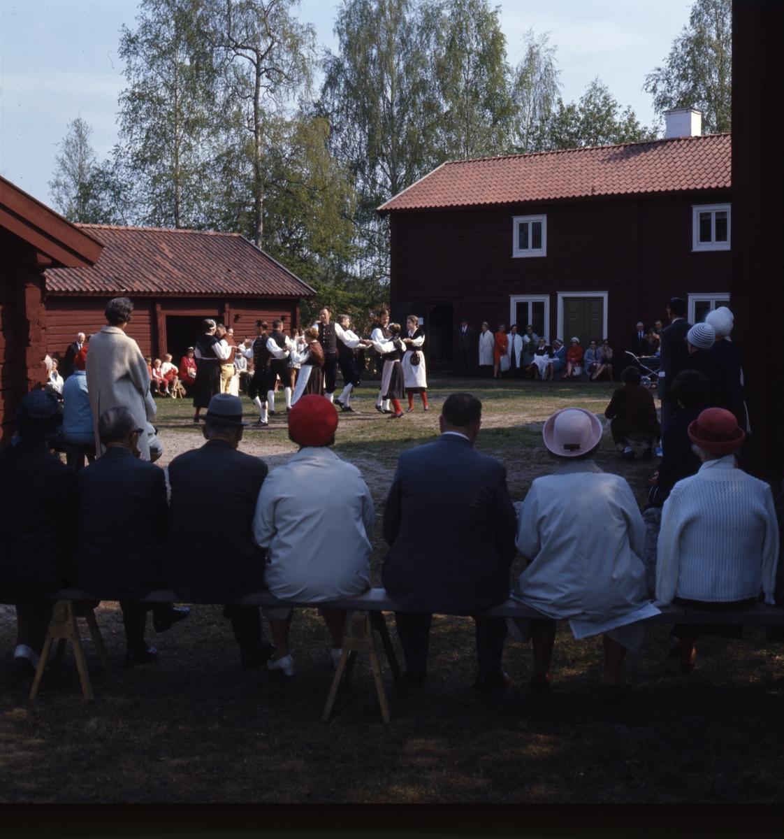 social dansare orgasm nära Gävle