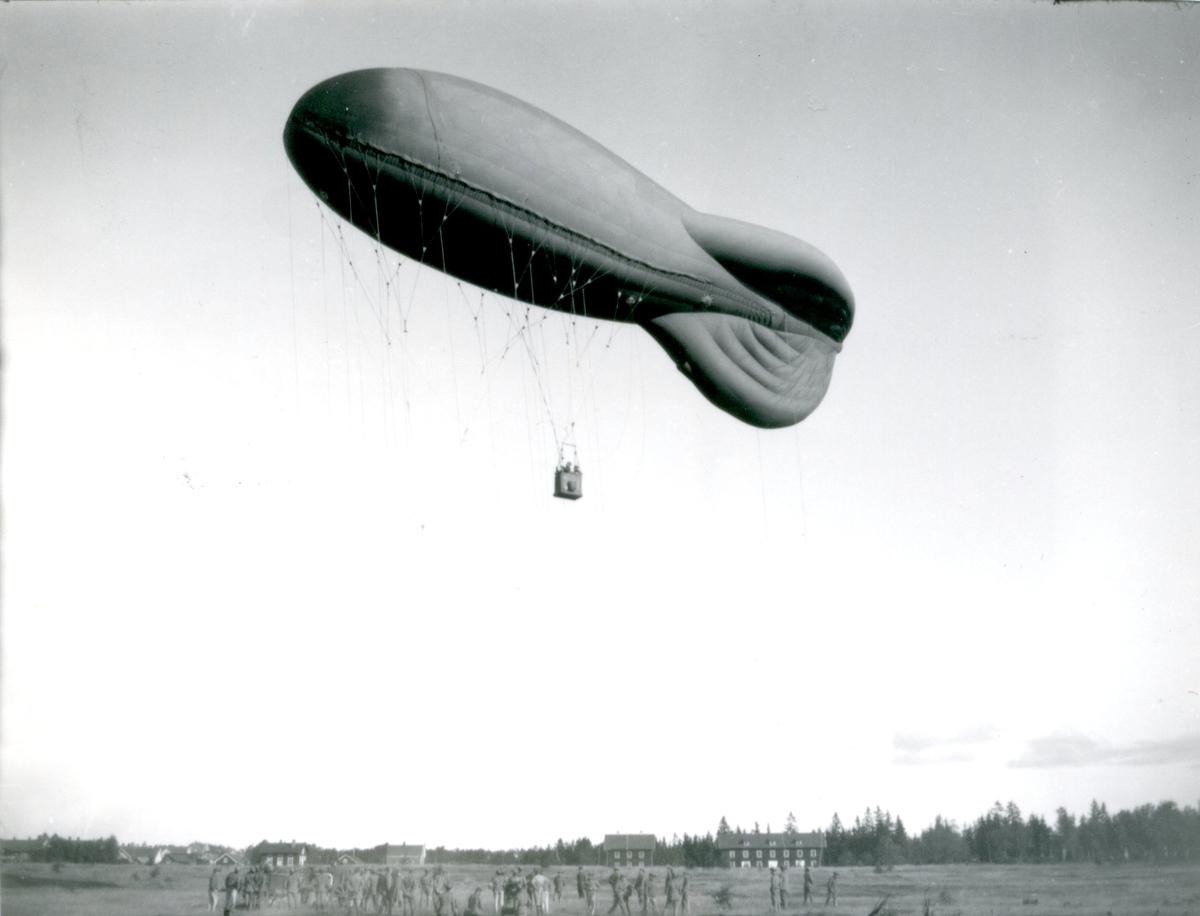 Fältballong m/1932 klar för uppstigning i Skillingaryd.