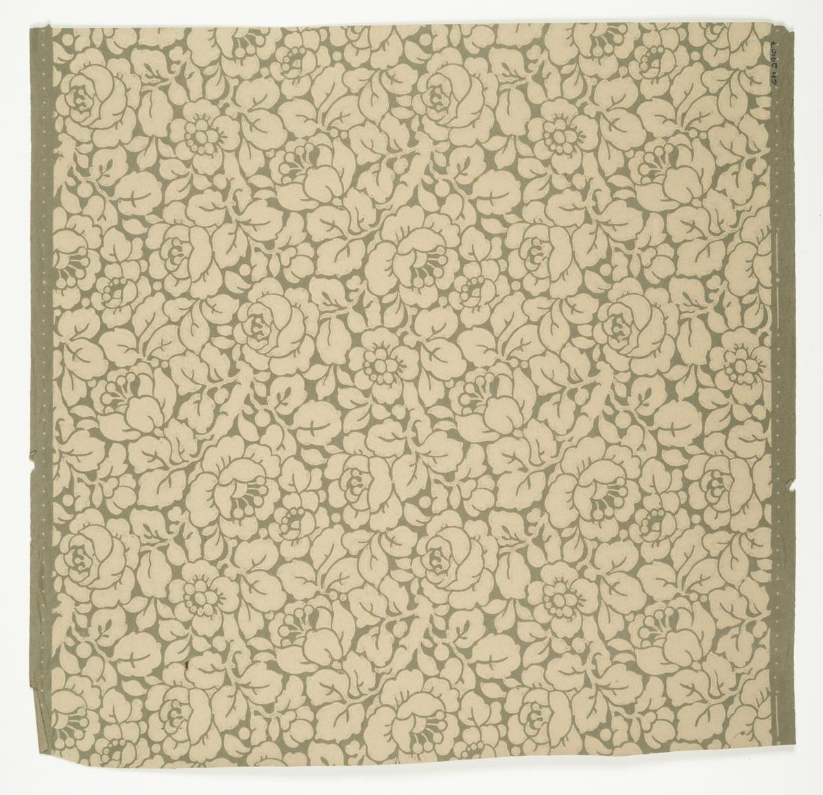 Grått genomfärgat papper med ett tätt ytfyllande blommönster i cremebeige.