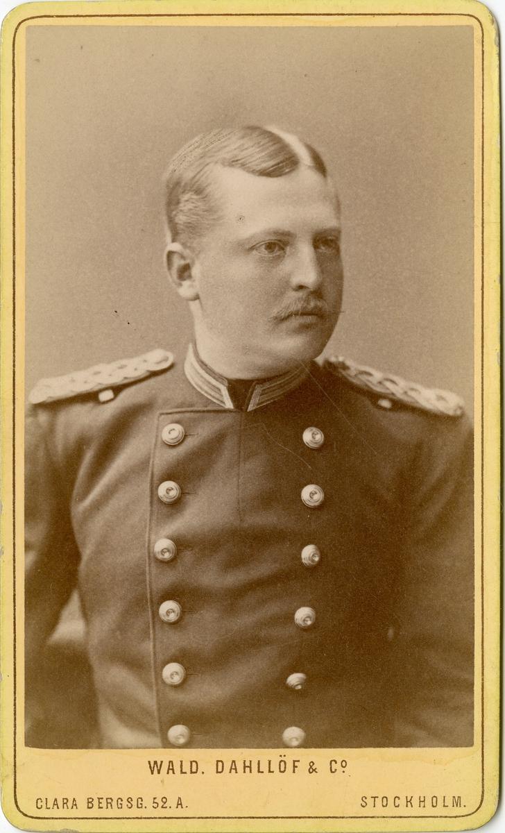 Porträtt av Lars Gustaf Cavalli, officer vid Kronobergs regemente I 11.  Se även bild AMA.0014534 och AMA.0021701.