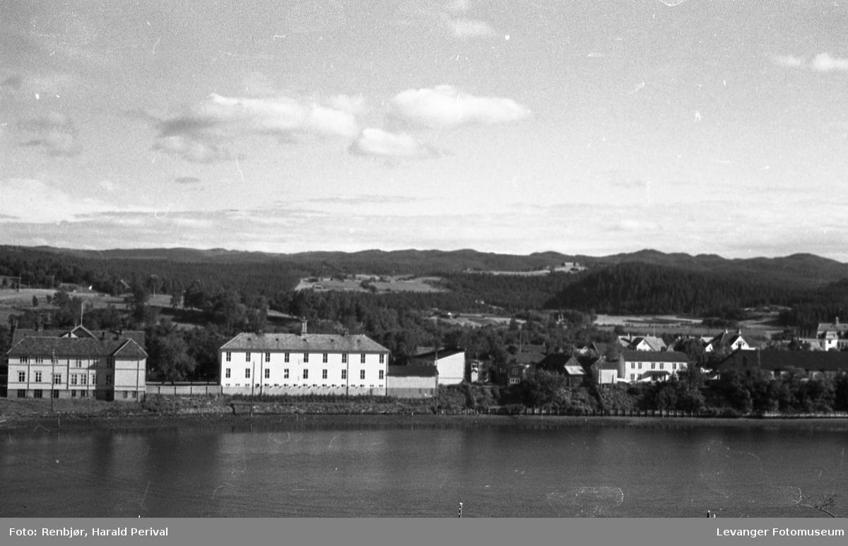Fra Levangersundet mot  Byskolen.