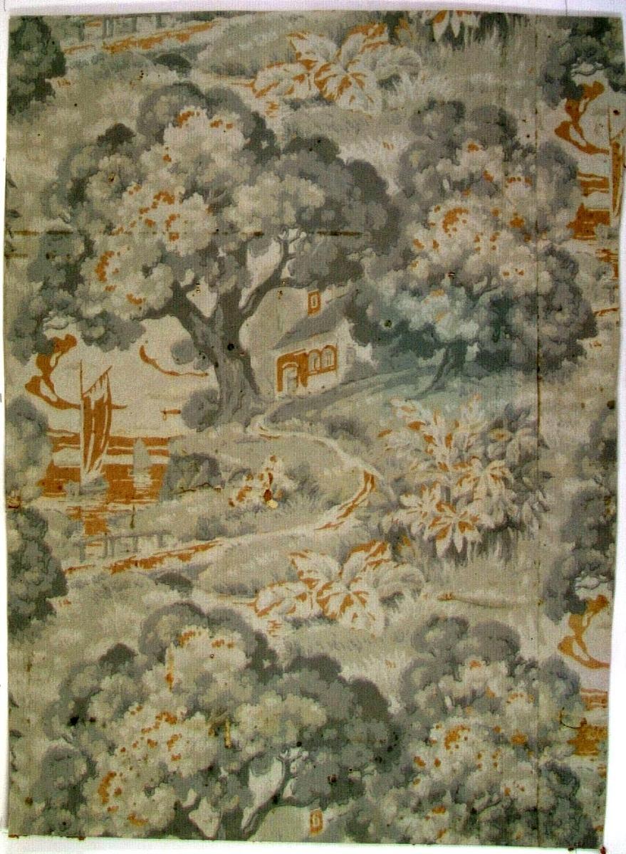 Landskapsmotiv bestående av vattendrag, stora träd mm i gulbrunt samt i flera ljusgrå nyanser.