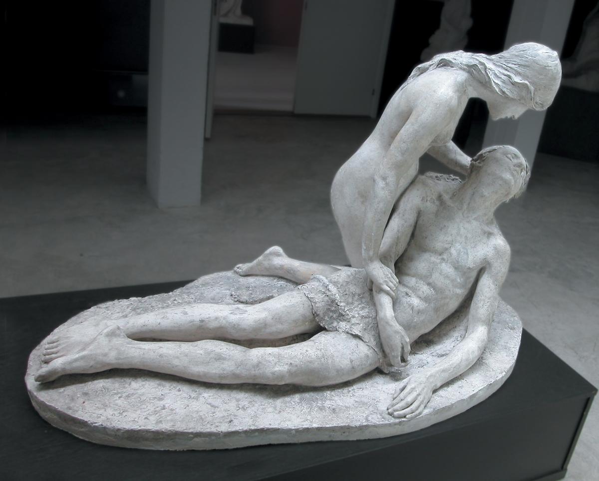 Skulpturgruppe laga i fleire variantar og utgåver. Verket er basert på ei gipsskisse frå 1893.
