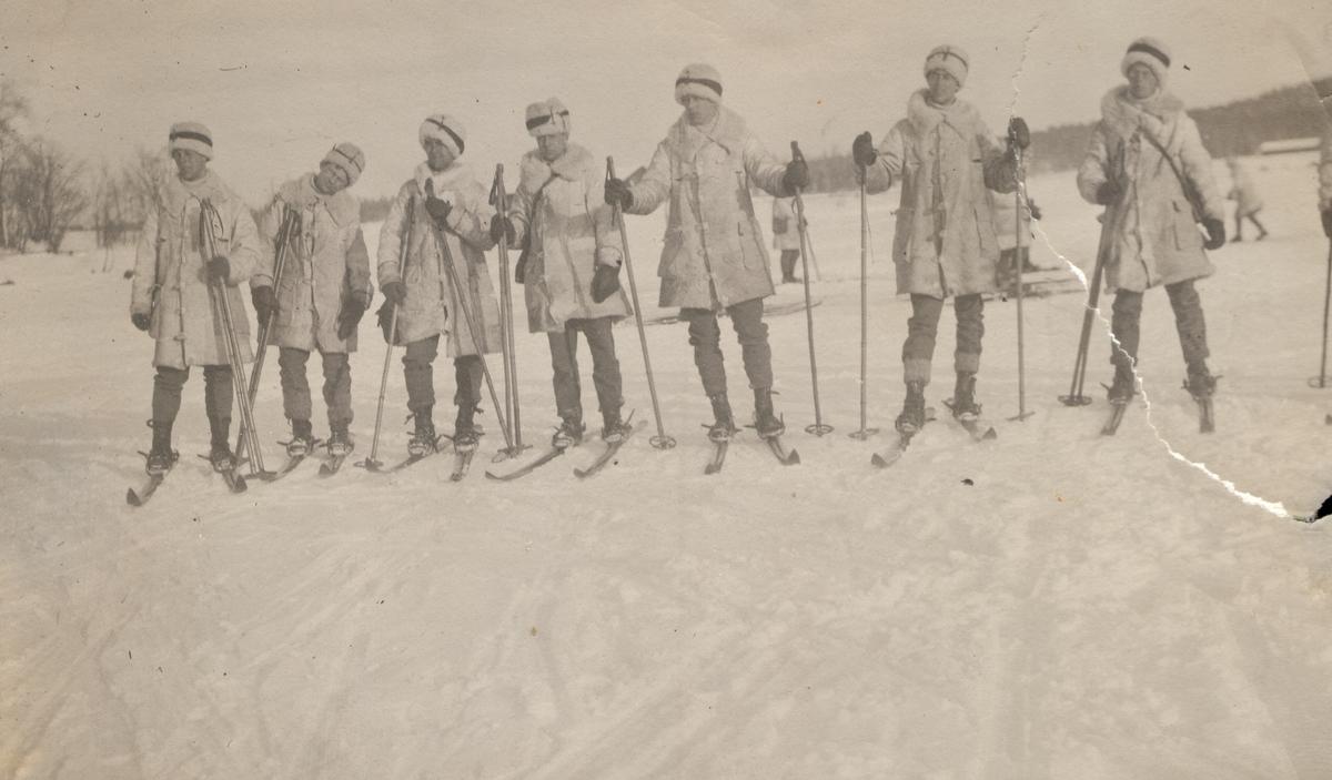 På skidor i Dalarna 1914.