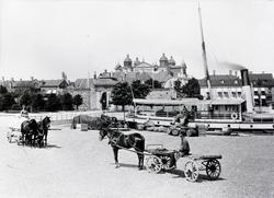 Vy med Tullhamnen och Stadsporten i bakgrunden.