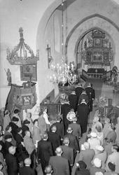 Alstadhaug kirke, fotogr. innvielse, foto div. personer