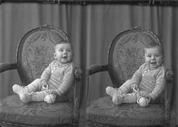 Portrett. En liten gutt. Bestilt av Egil Alne. Bømlo.