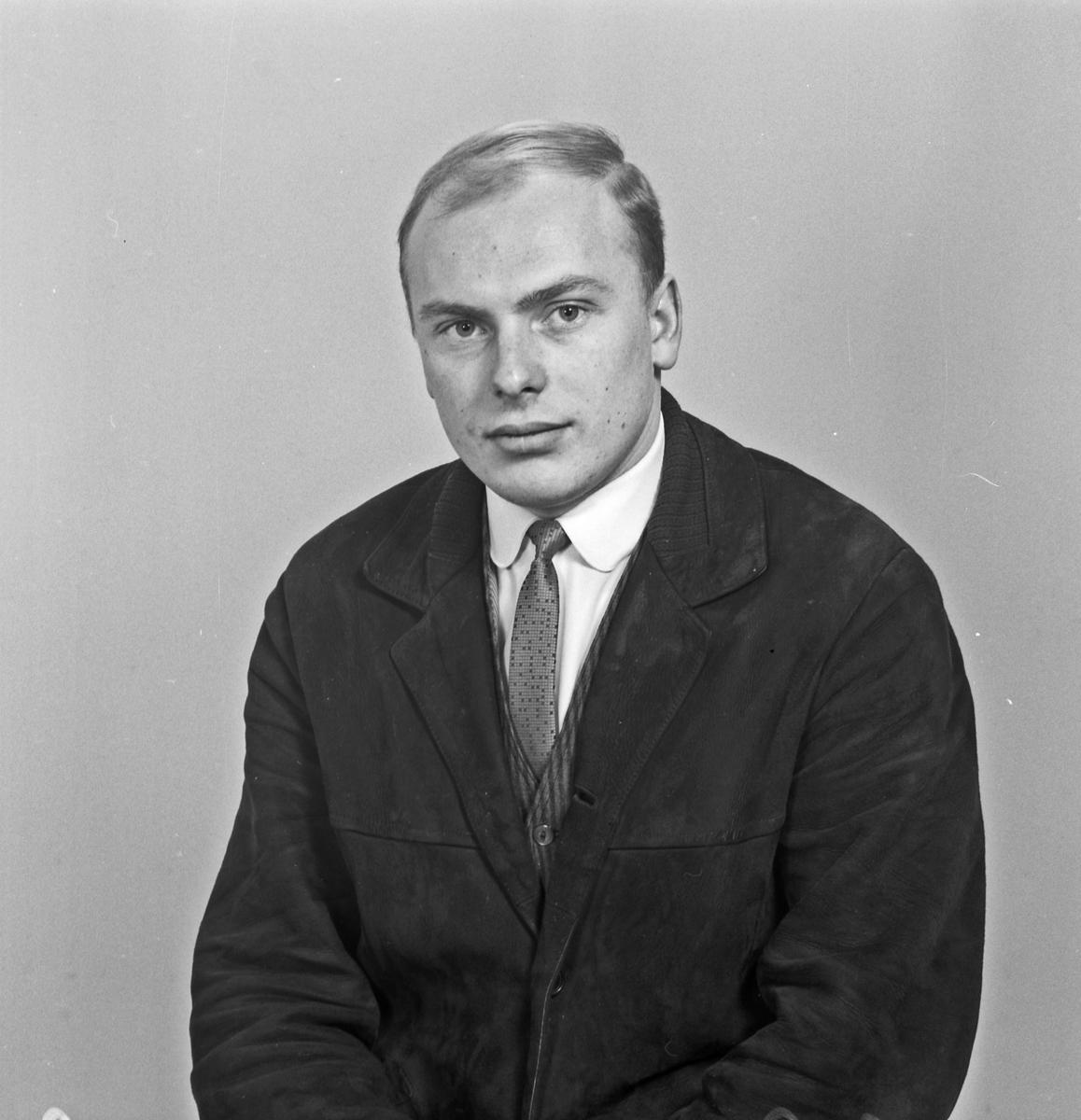 Portrett ung mann - bestiller Arne Svee