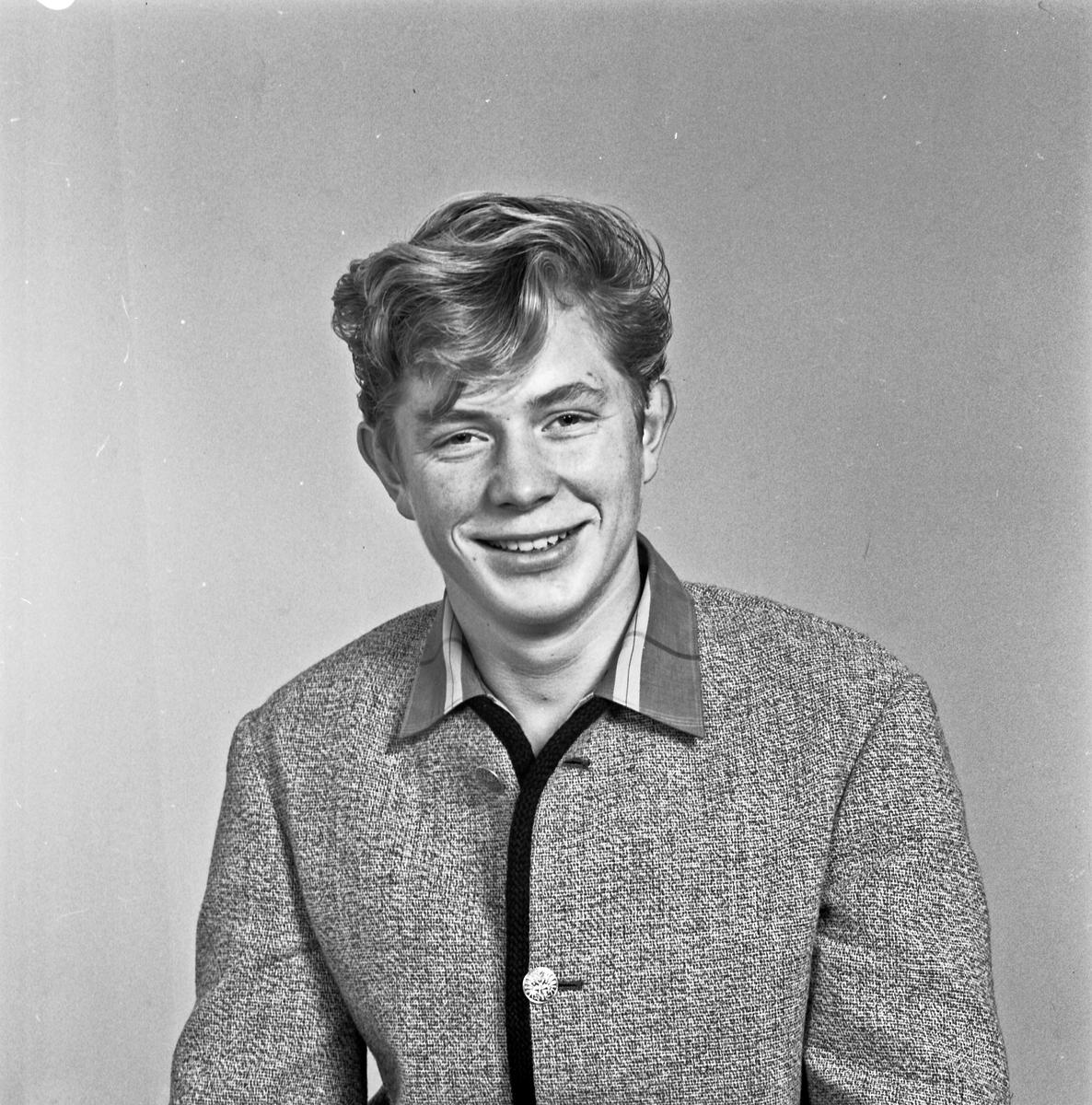 Portrett ung mann - bestiller Øistein Knutsen