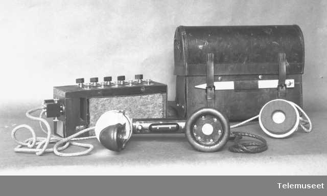 Telefonapparat, felttelefon. Felttøymesterens modell, 20.3.14. Elektrisk Bureau.