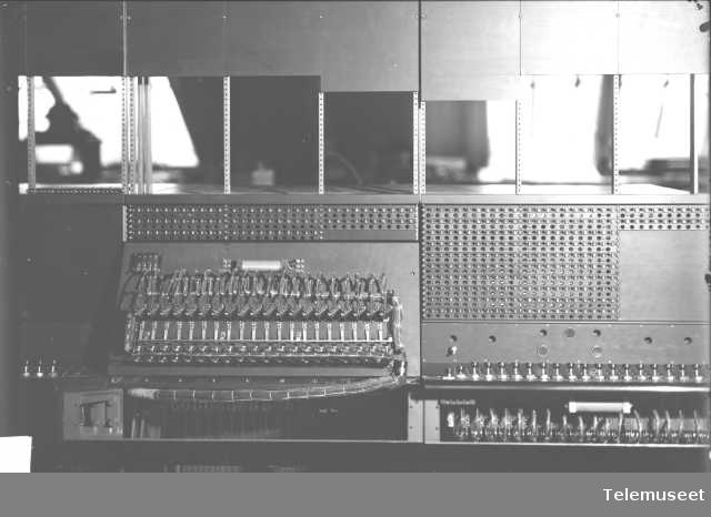 Telefonsentral, CB multippel snorveksler, ekspedisjonsplaten. Stavanger sept 1914. Elektrisk Bureau.