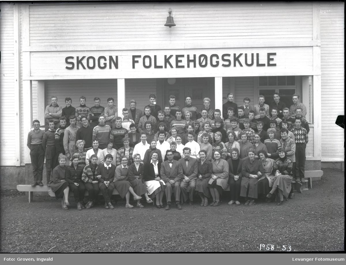 Skolebilde, Skogn folkehøgskole.