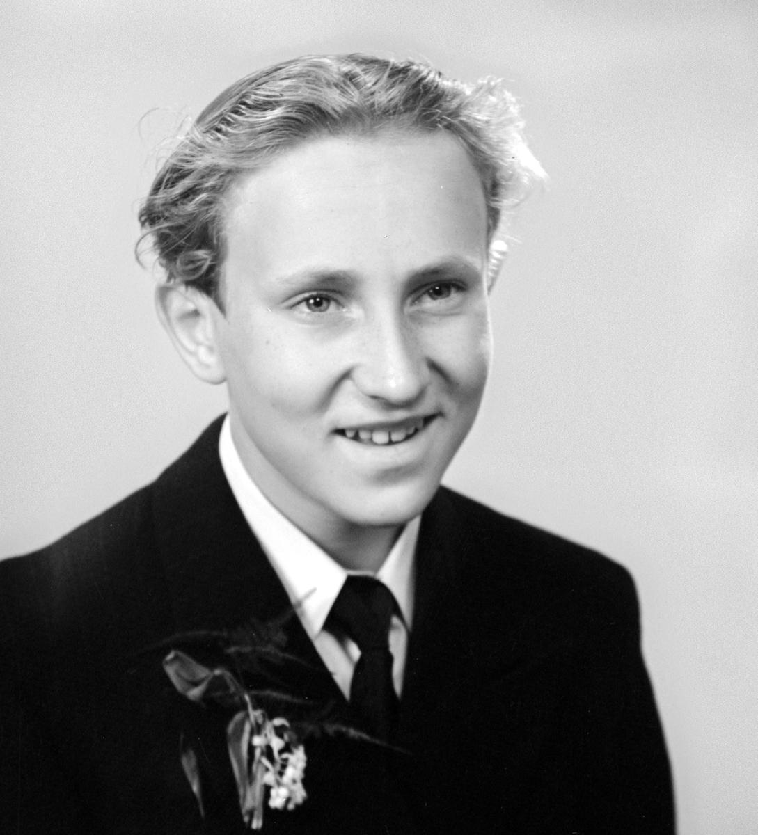Konfirmanden Bertil Abrahamsson. Foto i maj 1950.