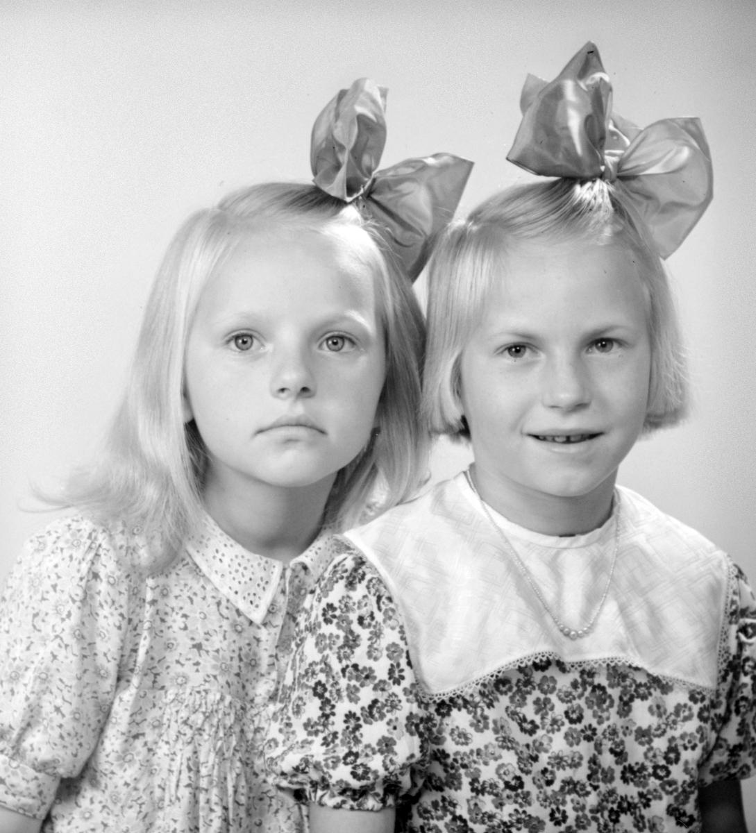 Flickorna Ekström.
