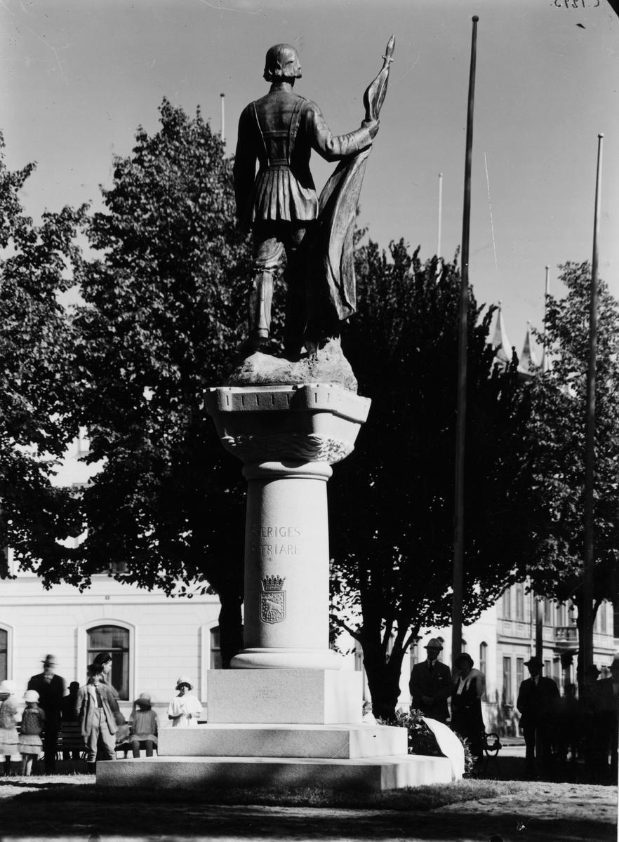 Gävle stad – Väster. Gustaf Wasa-statyn Kvarnparken.