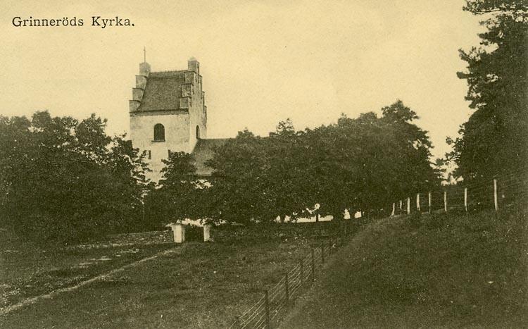 """Enligt Bengt Lundins noteringar: """"Grinneröds kyrka. Södra med staket""""."""