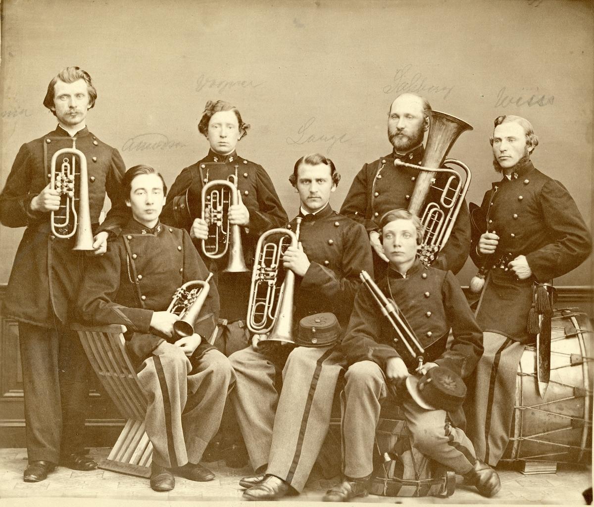 Grupporträtt av musiker vid Bohusläns regemente I 17.