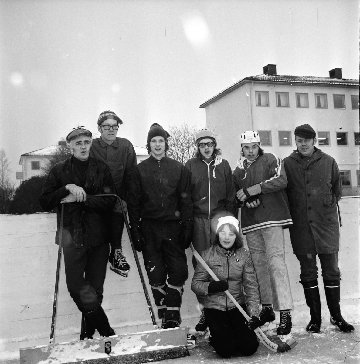 "Nytorp, ""Vi gör en ishockeybana"" Februari 1973"
