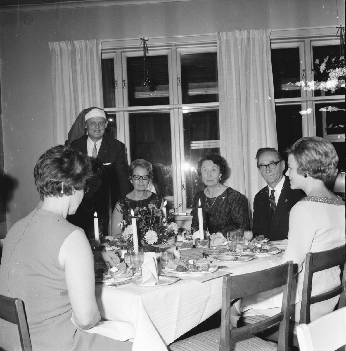 Lionklubben, Julfest på Rehngården, Luciorna presenteras, 6 Dec 1965
