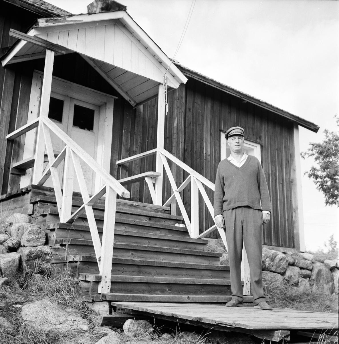 Rönnskärs lotsplats. Sjömanspastorn på besök. 14/9-1966