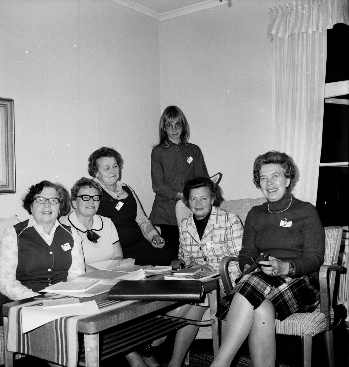 Stiftsgården, Husmödrar lär konst, 22 Sept 1972