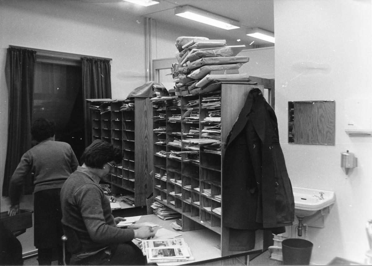 Bergen Postkontor. Omdeling. Sortering av post.