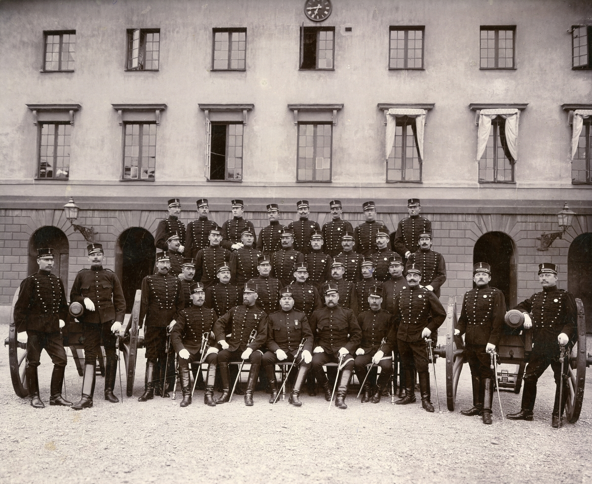 Underofficerskåren vid Andra Svea artilleriregemente No 5, 1894.
