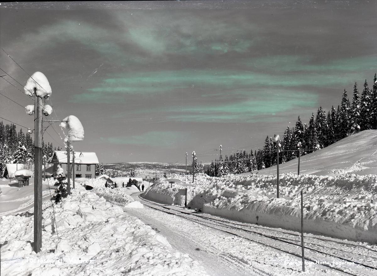 Brøyting ved Tonsåsen stasjon.