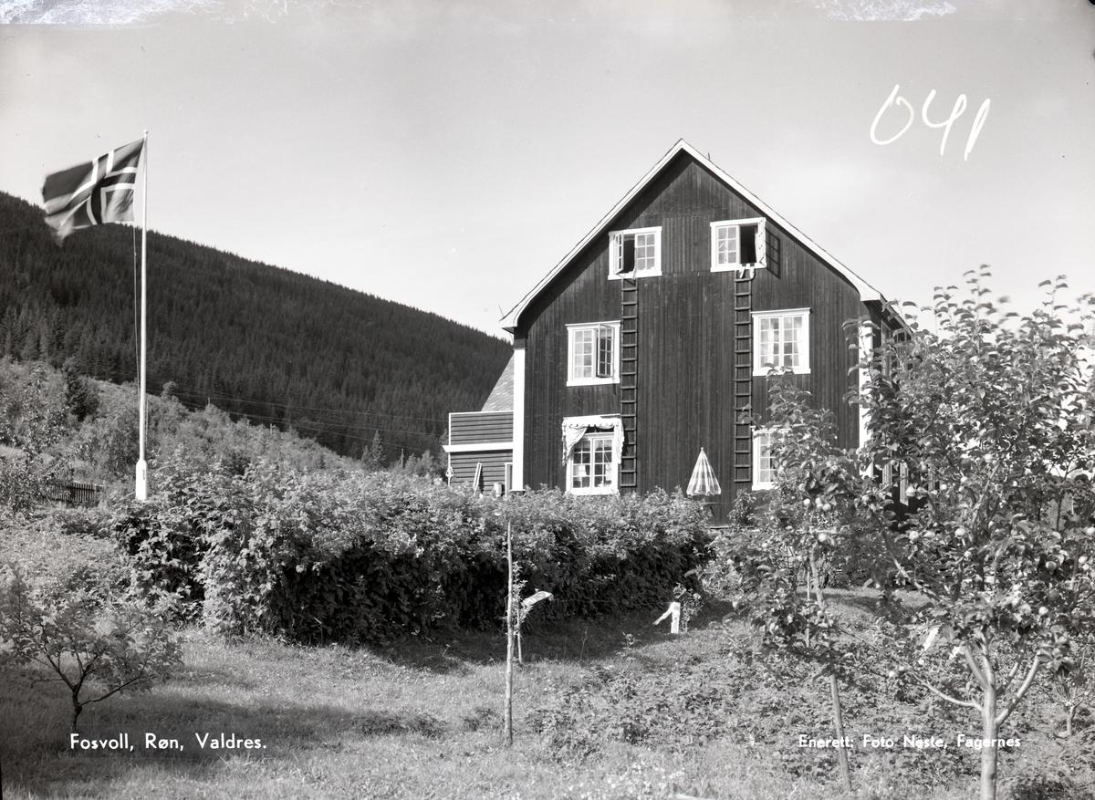Fosvoll villa, Røn.