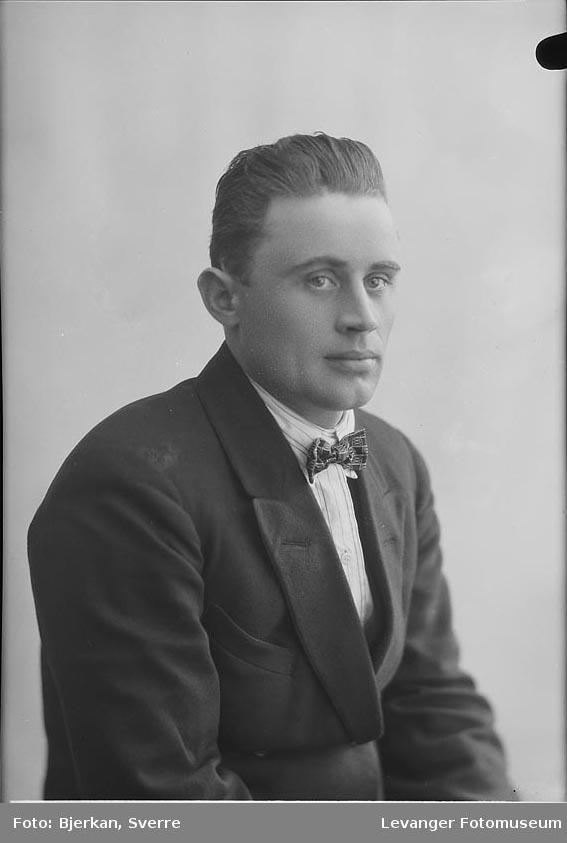 Portrett av Ingvald Iversen